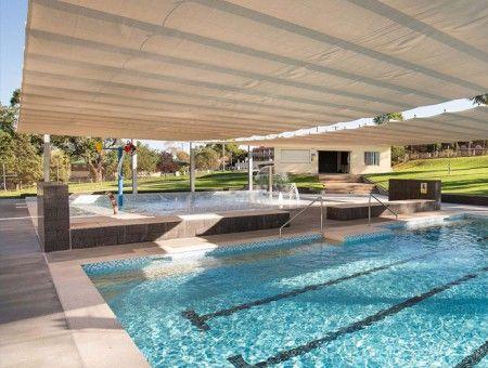 卡南德拉游泳池